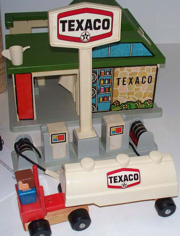 Gas Station With Car Wash >> Playskool: Familiar Places and Play Friends: #1107 Texaco ...